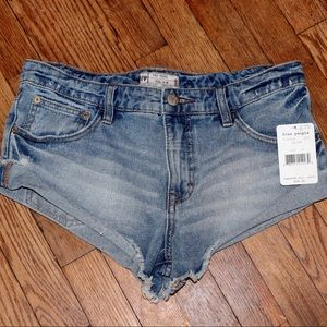 ✨NEW WITH TAGS✨ Free People Shorts